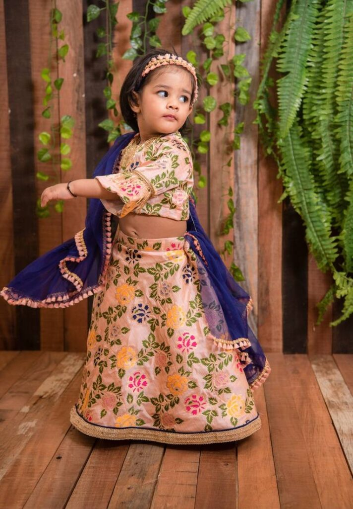 Lehenga Choli Set For Girls